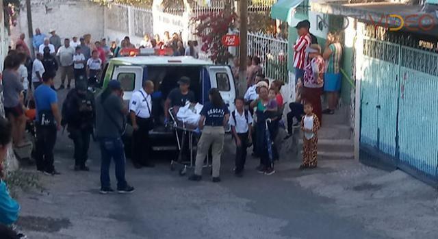 Camioneta atropella a niños participantes de un desfile