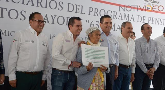 Libres, 60 mil espacios para adultos mayores: Sedesol