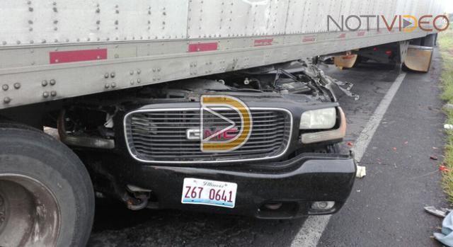 Tras choque en carretera de Michoacán mueren dos personas