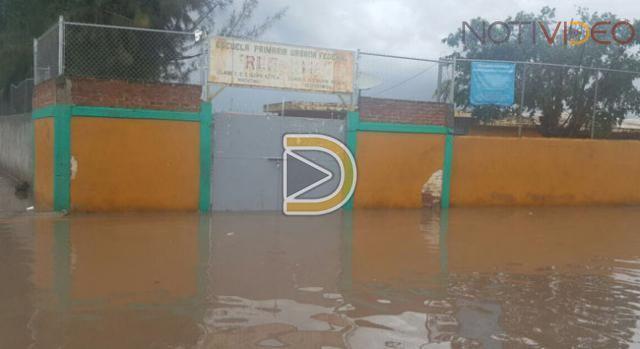Suspenden clases en Colima por inundaciones
