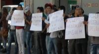Alumnos exigen clases pese a crisis financiera de la UMSNH